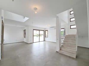 למכירה מיידי - דו משפחתי חדש בנייה פרטית (לא גרו בנכס), 250 מר - כולל 2 יחידות הורים, בעתלית - גב השקעות. (2)