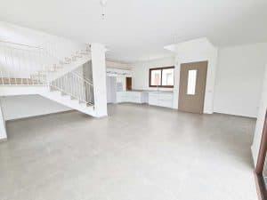 למכירה מיידי - דו משפחתי חדש בנייה פרטית (לא גרו בנכס), 250 מר - כולל 2 יחידות הורים, בעתלית - גב השקעות. (3)