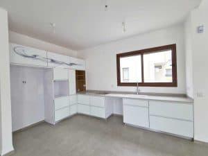 למכירה מיידי - דו משפחתי חדש בנייה פרטית (לא גרו בנכס), 250 מר - כולל 2 יחידות הורים, בעתלית - גב השקעות. (4)