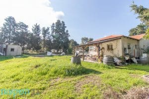 למכירה נחלה - 30 דונם, 3 דונם משבצת מגורים, זכויות בנייה ל3 וילות, 4 צימרים, בריכה ומ ( (7)